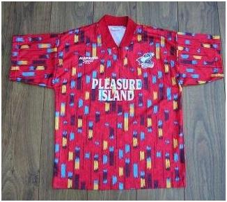مسخره ترین لباس های تاریخ فوتبال