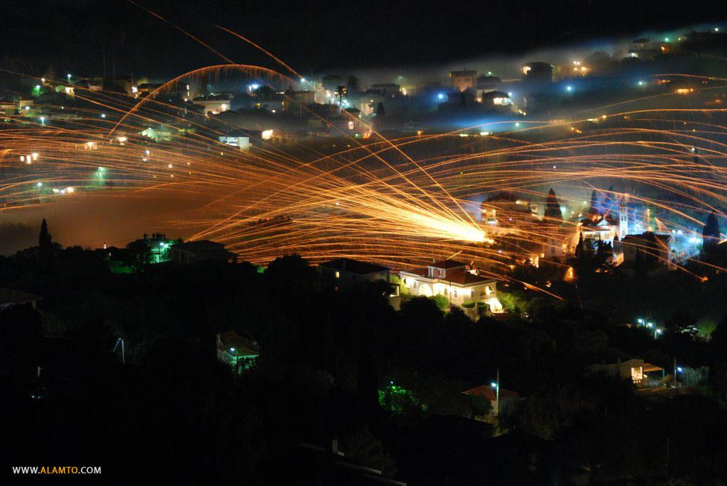جشن جنگ موشکی بین دو کلیسا! +عکس