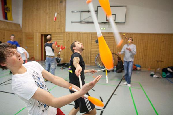 Combat-Juggling