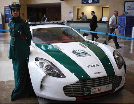 خودروی آستون مارتین در دوبی