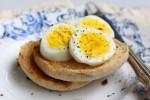 تخم مرغ آب پز شده