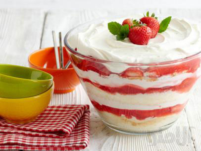strawberry-shortcake-trifles