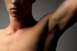 راههای رفع تیرگی زیر بغل و کشاله ران