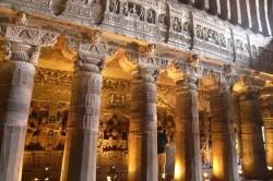 جاذبه گردشگری:غاری عجیب در هند/عکس