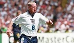 اسطوره فوتبال انگلیس قبل و بعد از الکلی شدن+عکس