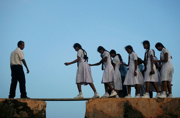 خطرناکترین مسیرهای مدرسه دنیا+عکس