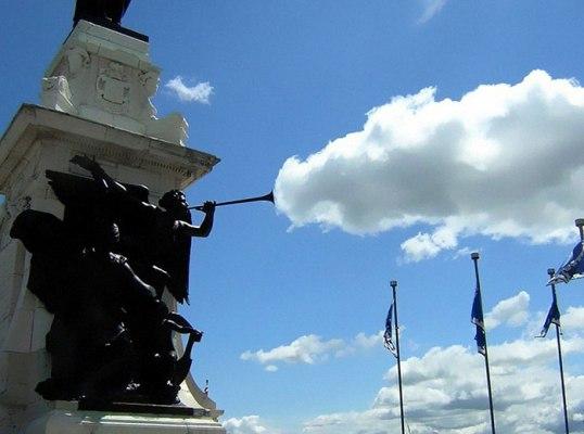 IMG10022177 بازی با ابرها   عکاسی خلاقانه