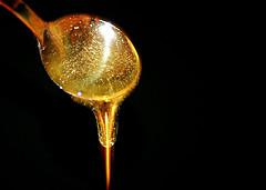 کش آمدن عسل طبیعی