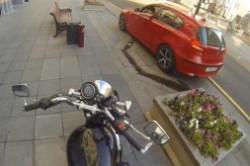موتورسوار مرموز،به دنبال راننده های بی ادب +عکس