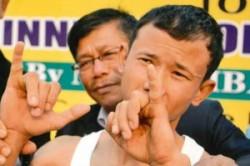 مردی با قویترین انگشت کوچک دنیا +عکس