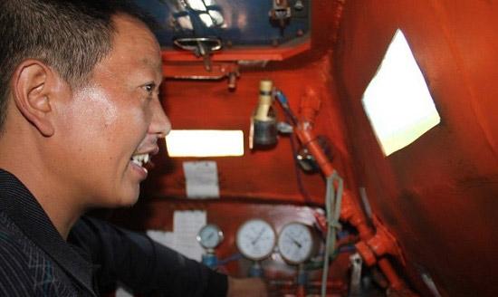 ساخت زیردریایی با دستان خالی