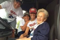 آرزوهای عجیب یک مادربزرگ ۹۷ ساله+عکس