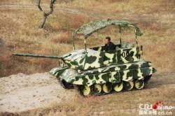 ساخت تانک جنگی در خانه توسط مرد چینی+عکس