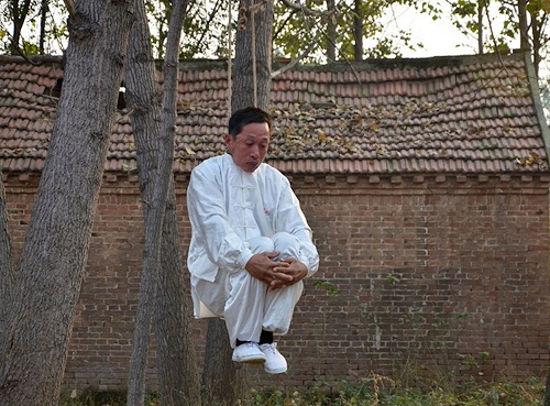 Li-Liangbing-hanging2