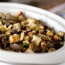 Awesome-Sausage-Apple-and-Cranberry-Stuffing
