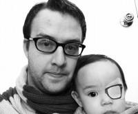 خلاقیت جالب پدر برای بیماری فرزند!+عکس