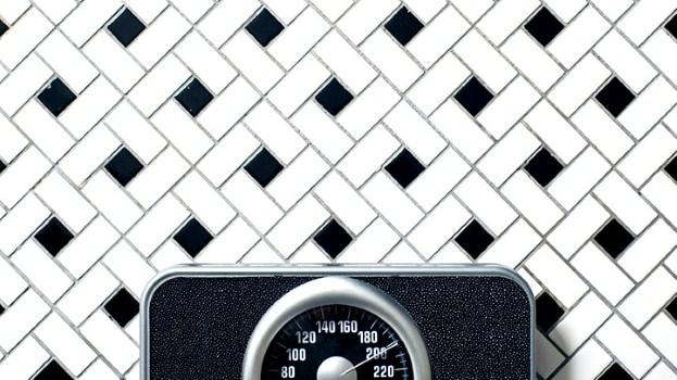عادات مضر سال جدید,ترازو کاهش وزن