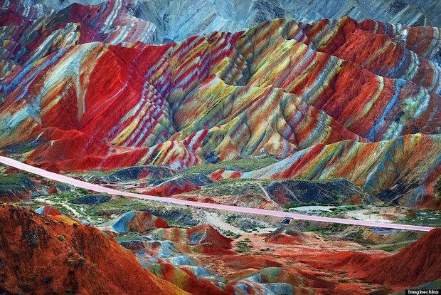 کوه رنگین کمانی چین