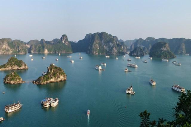 گردش در ویتنام Ha Long Bay