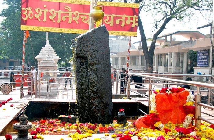 Shani-Shingnapur-doors4