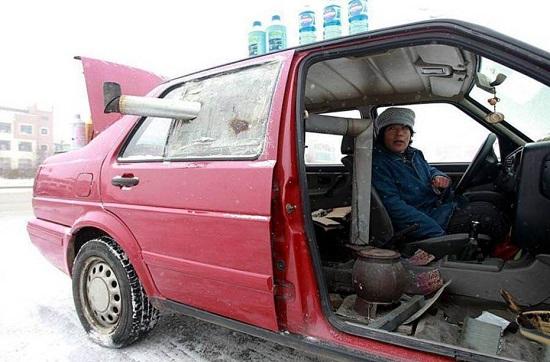 روش عجیب خانوم چینی واسه گرم کردن خودرو