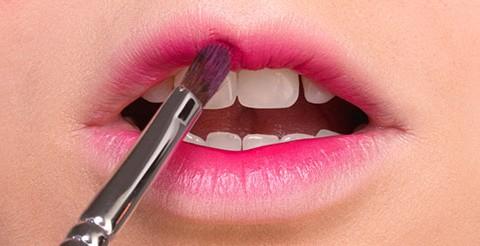 آموزش آرایش لب کره ای
