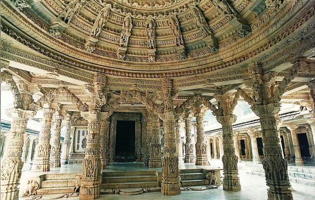 جاذبه های هندوستان Dilwara Temples