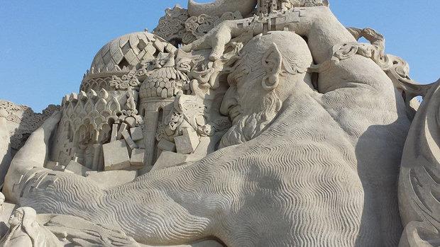 عجیب ترین مجسمه های دنیا