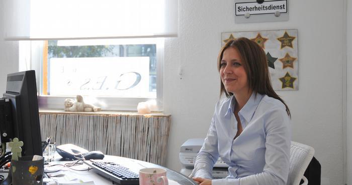 گلناز اسماعیلی یک کارآگاه خصوصی در آلمان