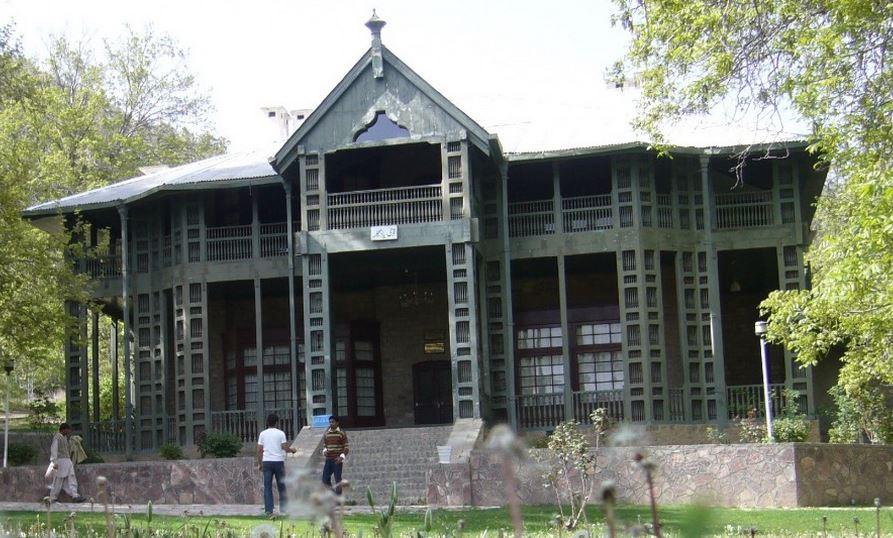 نوزده عمارت ارزشمند که در جنگ تخریب شده است