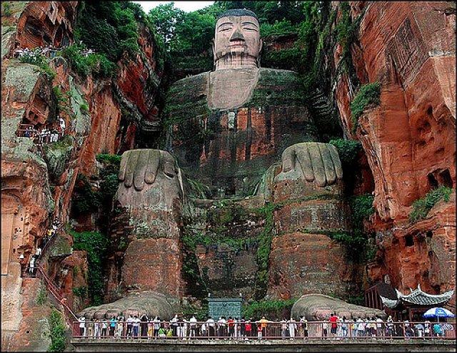 بودای بزرگ لشان Leshan Giant Buddha