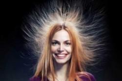 ۵ راهکار فوری برای مبارزه با الکتریسیته ساکن مو