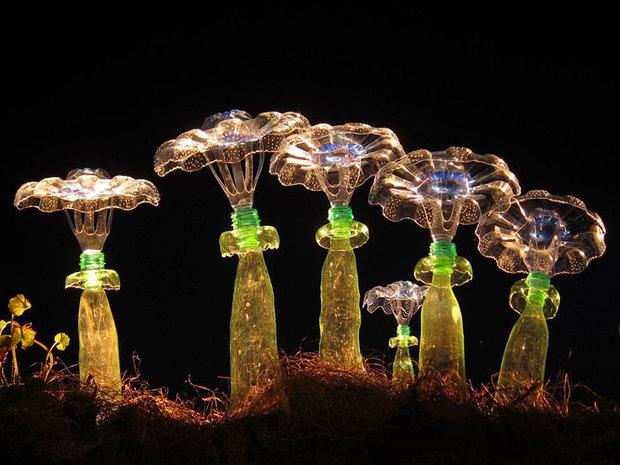 plastic-bottle-sculpture-recycle-art-veronika-richterova-10.jpg