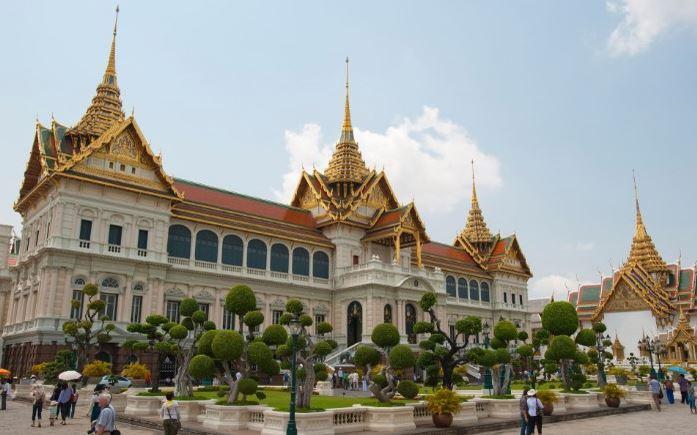 محبوبترین کاخها و قلعههای جهان