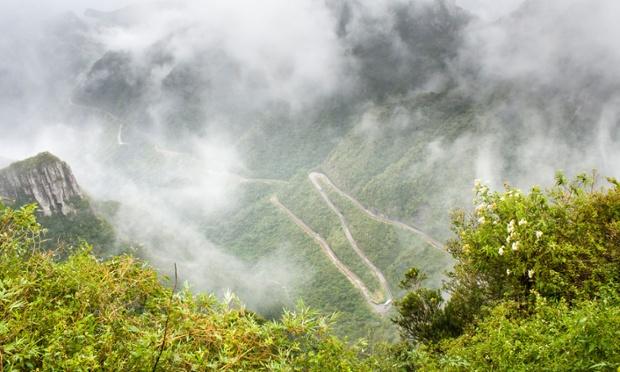 جاده «سررا دو ریو دو راسترو،» برزیل