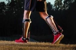 کفشی که مانند ماهیچه به شما در راه رفتن کمک میکند