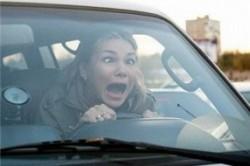 کدامیک از «زنان راننده» بیشتر تصادف میکنند؟