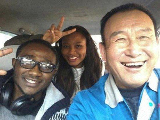Uncle-Teng-selfies-550x412.jpg