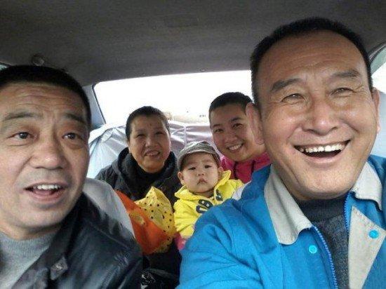 Uncle-Teng-selfies7-550x412.jpg