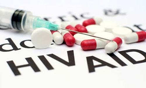 دندان ها از ایدز خبر می دهند