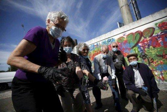 granny-graffiti-gang2-550x367.jpg