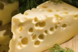 چرا در پنیر سوئیسی سوراخ وجود دارد؟