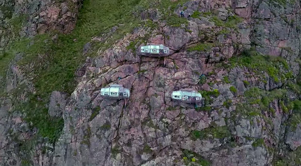 scary-see-through-suspended-pod-hotel-peru-sacred-valley-82.jpg