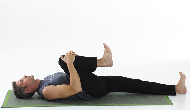 حرکت یوگا Knees-to-Chest-Pose