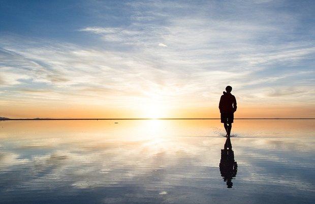 در این شهر می توانید روی آب راه بروید!-Last_man_on_earth_The_Salar_is_virtually_devoid_of_any_wildlife_-a-30_1438596946644.jpg