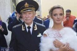 ازدواج بازیگر 84 ساله روس با شاگرد 24 سالهاش+عکس