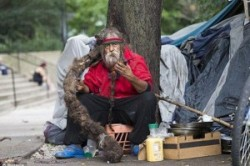 بی خانمانی با موهای یک میلیون دلاری + عکس