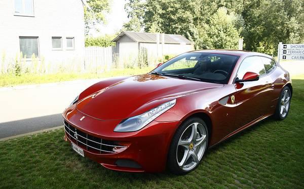 Ferrari-FF-
