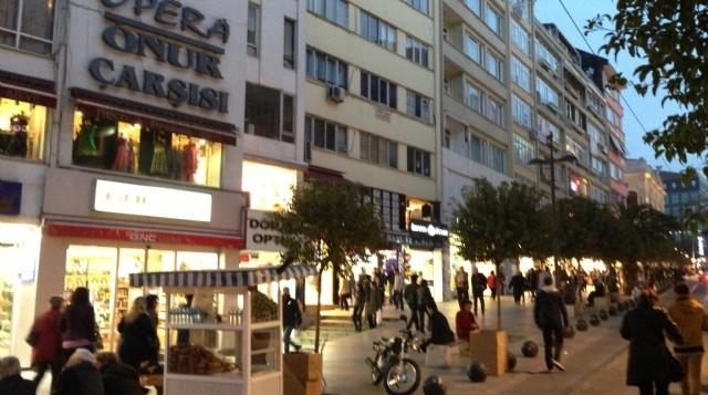 istanbul-da-en-bilinen-ucuz-alisveris-duraklari-7014260_5697_m-640x357