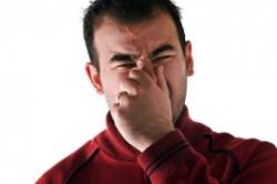 7 علت بوی بد بدن و درمان آن